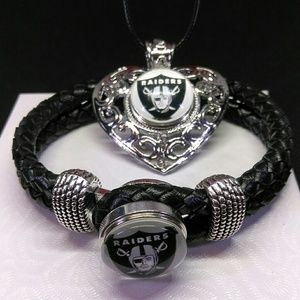 Oakland Raiders Necklace and Bracelet Set